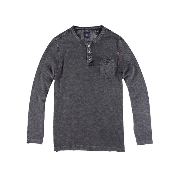 Henley Shirt mit Waffelstruktur.