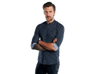 Tailliertes Stehkragenhemd mit seitlichen Galon-Streifen